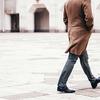 革靴をスニーカーに履き替えて!スニーカー通勤で運動不足解消