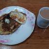 ホットケーキと卵焼きと紅茶