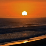 「パパモア ビーチ」のサンライズ~サマータイムだったので丁度東の水平線から見ることが。。。