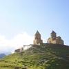 カズベキ村でツミンダサメバ教会まで絶景トレッキング