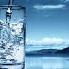 自己暗示をコップの水に例える(^・∀・^)