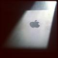 Macのある部屋:MacBookには木製デスク(テーブル)がよく似合う【11枚の写真】