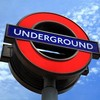 ロンドン交通局、地下鉄アーセナル駅にレインボー横断歩道を設置