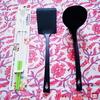 【ワッツ】シンプルカッコいいナイロンターナー&お玉と、シリコンcook菜箸。