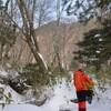 雪の白髪山遊山 分け入る