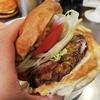 【サニーダイナー(SUNNY DINER)】食べログ百名店選出!北千住で楽しむ絶品バーガーと山盛りポテト!