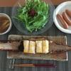 とうもろこしご飯のおにぎり、みょうがのお味噌汁にシャウエッセン。