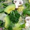 レクチンフリーアボカドとベビーリーフのサラダ