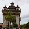 首都 ビエンチャンへ マスト観光スポット回る