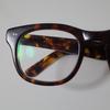 セルフレームメガネの「白い汚れ」をコンパウンドでピカピカに磨く方法を紹介します