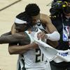 【NBA】ファイナル第5戦、ミルウォーキー・バックスが半世紀ぶりの優勝に王手 敵地でサンズを撃破して3勝目 米五輪代表コンビ活躍