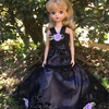黒と薄紫のシックなドレス