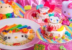 極彩色フードが映える!「ハローキティ」×「KAWAII MONSTER CAFE」7月12日よりスタート。