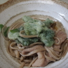タラ鍋のシメは「タラの芽の天ぷら」でそば