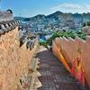 「天使の壁画通り(チョンサコリ)」~麗水市街の高台、住宅街の坂道に・・・。
