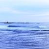 ウインターサーフ物語。「今はまだ、ただの真冬。厳冬ではないんだよ、と自分に言い聞かせながら波間に浮かぶ激寒の海物語」の巻。