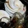 凍える程冷たい食器洗いはお湯で洗えば汚れが落ちやすい!