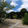 触るな危険っ!!兵庫県内の公園でカエンタケっていう毒キノコが確認されているらしい。