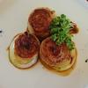 いつもの豚しゃぶ肉が、ほんのひと手間でオシャレな一品に。ソースが秀逸、豚肉のロールステーキ