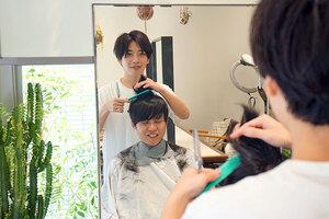 美容院で髪を切りながら経営者トーク。LONESS × さくらインターネット