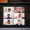 〈MiRAi〉オンラインミーティングで三密を避けています。