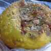 西日暮里の「boulangerie ianak!(ブーランジェリー・イアナック)」でお豆とレンコンのカレーパン、コンビーフサラダ他、「大平製パン」でたまごドッグ他。