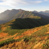 紅葉最盛期の谷川馬蹄形縦走