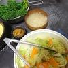 キャベツ人参中華炒め、さつまいもサラダ、ゆず味噌スティック、味噌汁