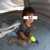 1歳の赤ちゃんをビニールプールで遊ばせてみた。