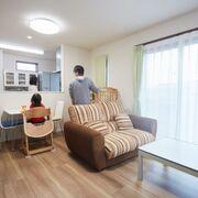 通勤徒歩圏内の閑静な環境で、家族がほっとできる居心地の良い空間を実現