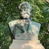 ウィリアム・スミス・クラーク像 (北海道大学・クラーク胸像) ~PCX150北海道ソロツーリング二日目-①~