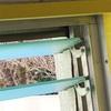 隙間風や砂ホコリが入るガラスルーバー窓を他の窓に交換したい!