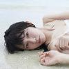 吉岡里帆、ファースト写真集発売 美しく愛らしい素顔も…