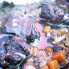 キャンプ飯 牛ほほ肉と赤ワインをサービングポットで煮込みました