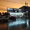 明るい店内でお買い物 - ソクタビースーパーマーケット(Xokthavy Supermarket)- (ビエンチャン・ラオス)