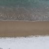 浜に薄らと雪が被さっていた