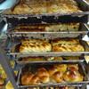 人気のローカルパン屋さん「漢堡餅店」でピーナッツロールを買ってみた。