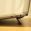 MacBook Proに折りたたみスタンド付けたら、とても快適になったよ〜BlueLounge Kickflip(キック フリップ)