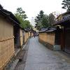 薦掛け(こもがけ)は金沢・長町武家屋敷跡の冬の風物詩
