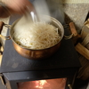 薪ストーブの大火力を活かして超簡単で美味しい休日のお昼を楽しもうよ♪