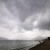 雨の(マルマリス)、ホテルでギリシャ神話を勉強です。