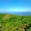09 山と 空が   青く つづく
