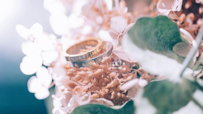 ウェディングフォトでも活躍する中望遠マイクロレンズ – 指輪撮影や前撮り、結婚式撮影の現場で実践レビュー