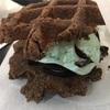 『waffles』 (ワッフルズ)でミントクッキーサンドを食す@渋谷マークシティ