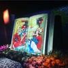 日本橋の「FLOWERS BY NAKED」は本に綴られた花の物語が展開してた