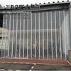 工場内の風よけカーテン