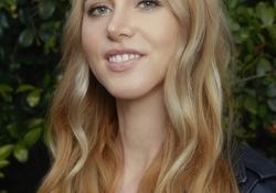 ハリウッド映画版『ハローキティ』の脚本家がリンジー・ビアに決定。