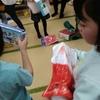小1クリスマス会の500円プレゼント交換。何をあげれば盛り上がる?