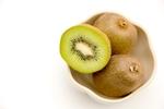 キウイや桃も皮まで食べよう!本当は皮までまるごと食べた方が良い意外な4つの果物