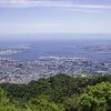 摩耶山から海を見る。